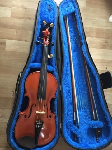 44 violin af Robert Knudsen